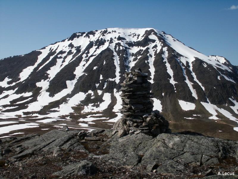 Cairn et montagne